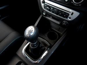 Renault Megane III 1.6 Dynamique 5-Door - Image 16