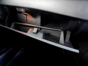 Renault Megane III 1.6 Dynamique 5-Door - Image 19