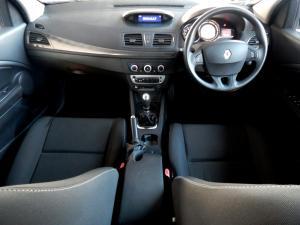 Renault Megane III 1.6 Dynamique 5-Door - Image 28