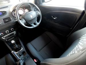 Renault Megane III 1.6 Dynamique 5-Door - Image 30
