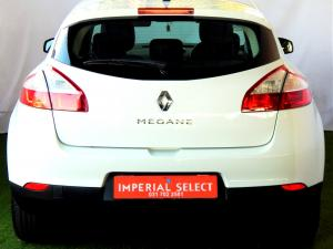Renault Megane III 1.6 Dynamique 5-Door - Image 31