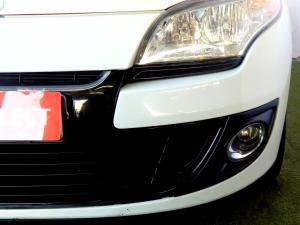 Renault Megane III 1.6 Dynamique 5-Door - Image 3