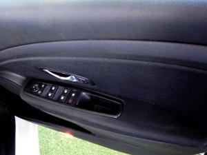 Renault Megane III 1.6 Dynamique 5-Door - Image 6
