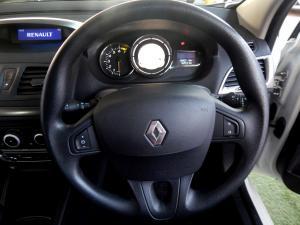 Renault Megane III 1.6 Dynamique 5-Door - Image 8