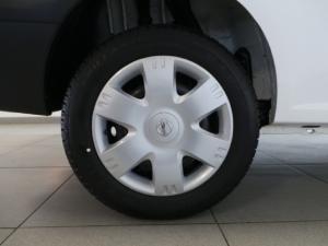 Nissan NP200 1.6i (aircon) - Image 9
