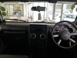 Jeep Wrangler 3.8 Unltd Sahara automatic - Image 16