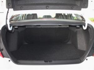 Honda Civic 1.8 Elegance CVT - Image 13