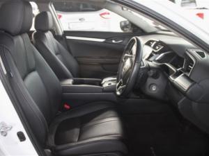 Honda Civic 1.8 Elegance CVT - Image 24