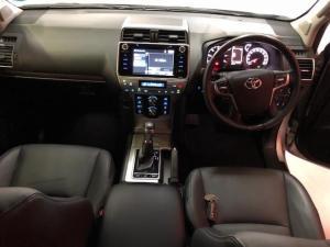 Toyota Prado VX 3.0D automatic - Image 10