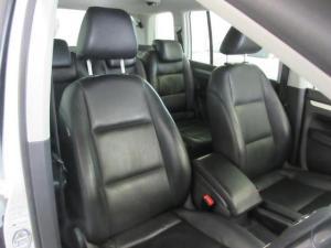 Volkswagen Touran 2.0TDI Trendline auto - Image 10