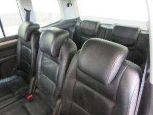 Volkswagen Touran 2.0TDI Trendline auto - Image 11