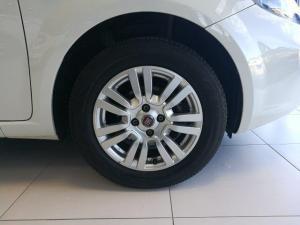 Fiat Punto 1.4 Easy - Image 10