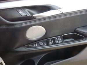 BMW X5 M50d - Image 12