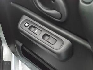Suzuki Jimny 1.3 automatic - Image 7