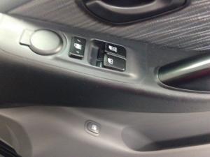 Hyundai H-1 2.5 CrdiF/C P/V automatic - Image 12