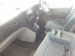 Hyundai H-1 2.5 CrdiF/C P/V automatic - Image 17
