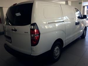 Hyundai H-1 2.5 CrdiF/C P/V automatic - Image 7