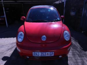 Volkswagen Beetle 2.0 Cabriolet - Image 1