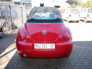 Volkswagen Beetle 2.0 Cabriolet - Image 3