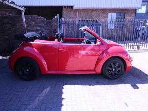 Volkswagen Beetle 2.0 Cabriolet - Image 6