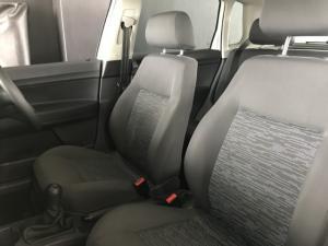 Volkswagen Polo Vivo 5-door 1.4 - Image 7