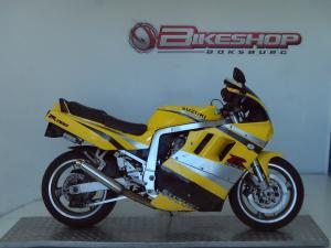 Suzuki GSX 1100 FR - Image 1