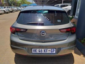 Opel Astra 1.0T Essentia - Image 5