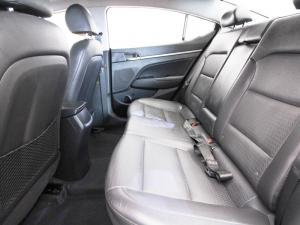 Hyundai Elantra 1.6 Executive automatic - Image 11
