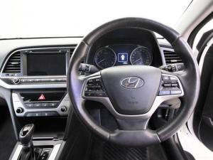 Hyundai Elantra 1.6 Executive automatic - Image 12
