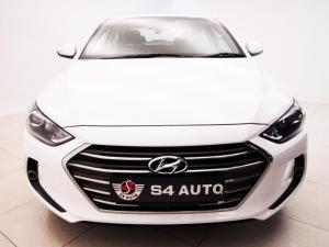 Hyundai Elantra 1.6 Executive automatic - Image 4