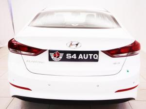 Hyundai Elantra 1.6 Executive automatic - Image 5