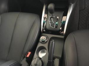 Mitsubishi Triton 2.4 Di-DC 4X4 automaticD/C - Image 9