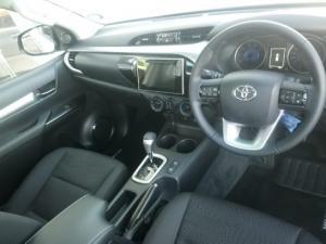 Toyota Hilux 2.8GD-6 Raider auto - Image 5