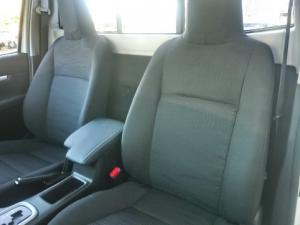 Toyota Hilux 2.8GD-6 Raider auto - Image 7