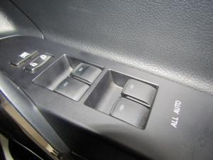 Toyota Auris 1.6 XR CVT - Image 12