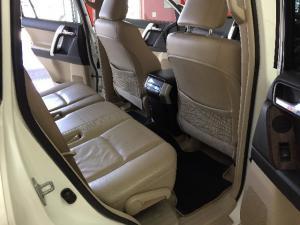Toyota Land Cruiser Prado 4.0 VX - Image 8