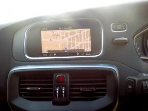 Volvo V40 CC D3 Momentum Geartronic - Image 21