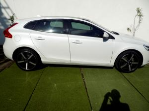 Volvo V40 CC D3 Momentum Geartronic - Image 26