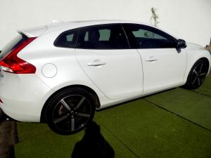 Volvo V40 CC D3 Momentum Geartronic - Image 27
