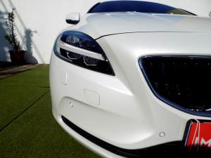 Volvo V40 CC D3 Momentum Geartronic - Image 29