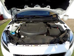 Volvo V40 CC D3 Momentum Geartronic - Image 32