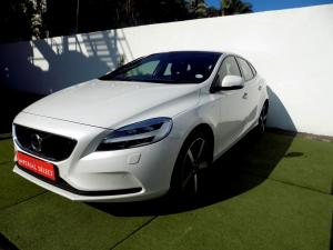 Volvo V40 CC D3 Momentum Geartronic - Image 3