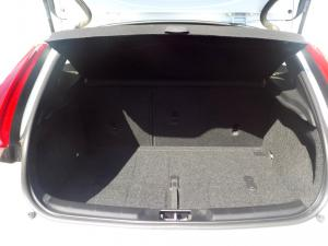 Volvo V40 CC D3 Momentum Geartronic - Image 6