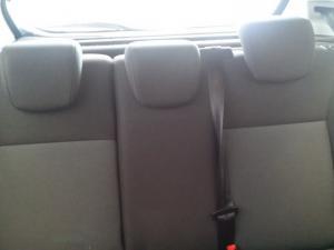 Ford Fiesta 1.0 Ecoboost Ambiente Powershift 5-Door - Image 9
