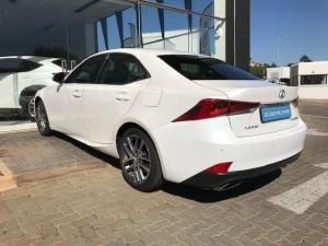 Lexus IS 200T EX/300 EX - Image 19