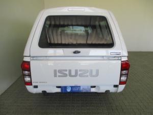 Isuzu KB 250D LeedS/C - Image 9