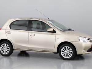 Toyota Etios hatch 1.5 Xs - Image 2