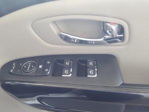 Kia Grand Sedona 2.2 Crdi EX + automatic - Image 12