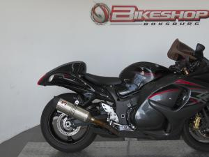 Suzuki GSX 1300RA - Image 6