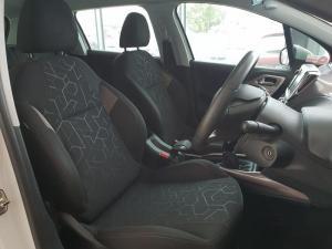 Peugeot 2008 1.6 VTiActive - Image 7